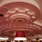 «Дилижанс» зал казино, деталь потолка.